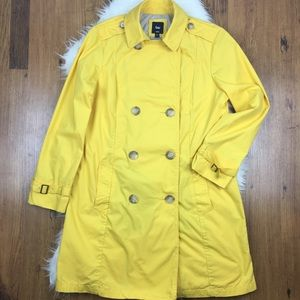 GAP yellow classic trench coat with belt